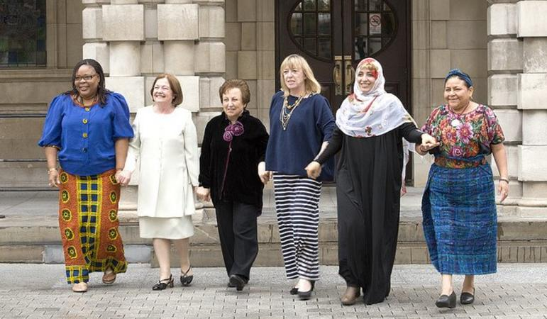 Nobel Peace Laureates in northern Ireland (c) Nobel Women's Initiative, 2013